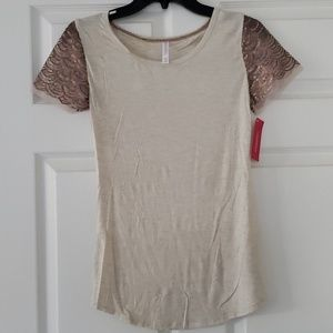 Tshirt with sequin sleeves